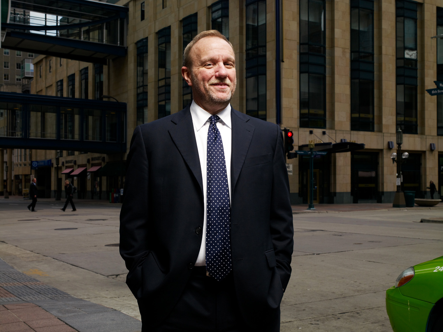 James Paulsen minneapolis corporate portrait
